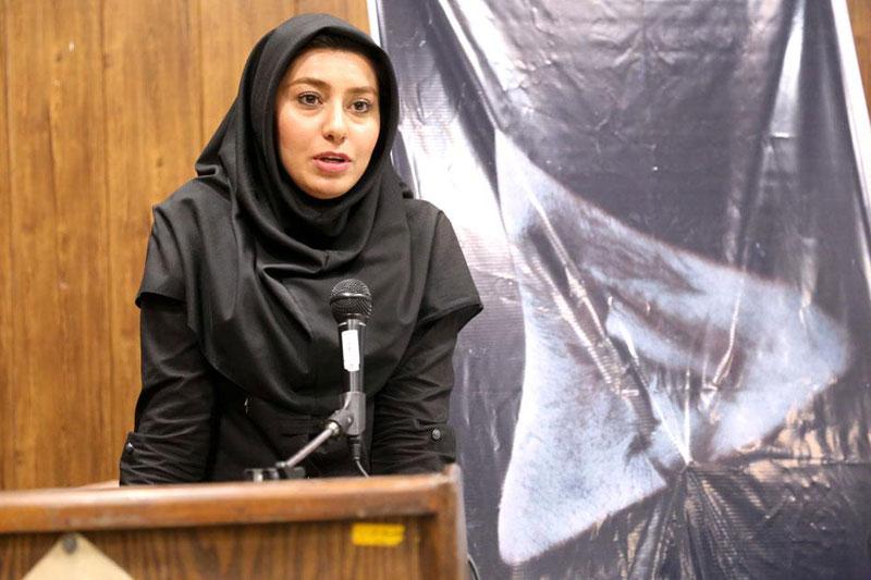 """فیلم مستند """"بازگرد"""" از تولیدات خانه مستند در دانشگاه الزهرا(س) رونمایی شد"""