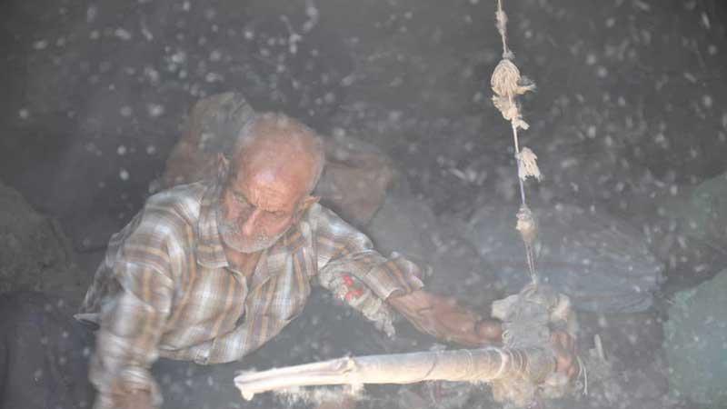 روایتی از یک پیرمرد هنرمند دوست داشتنی/ یادداشتی بر مستند «روزهای بی خبری»