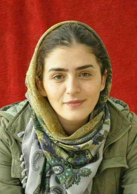 نگین احمدی